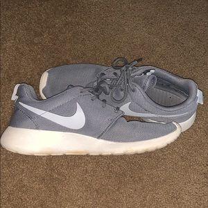 Nike Gray roshe sneakers